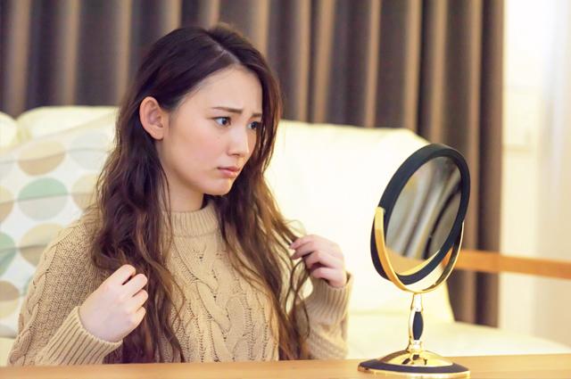 静電気の影響で髪の毛にダメージが与えられることも。