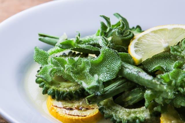 食べるスキンケアvol.38 美白レシピ「アイスプラントと夏野菜のグリルサラダ」