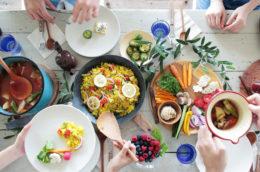 毎日のごはんが、食べる日焼け止め!夏の美肌食材・10選